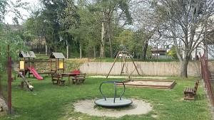 nyilvános játszótér